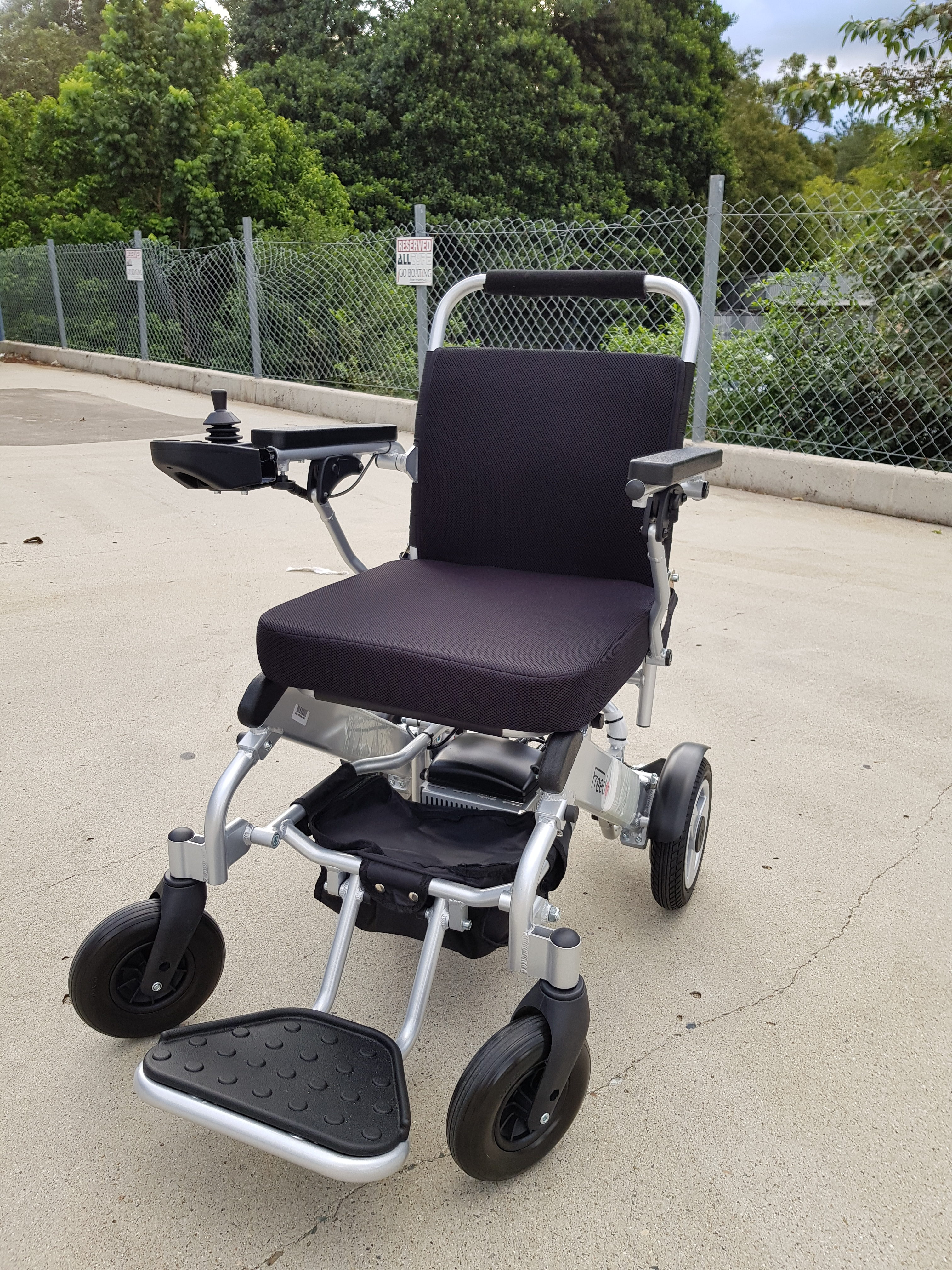 Pre-owned Freedom Powerchair